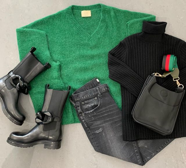 ❤️💚🖤Lovin' this outfit.