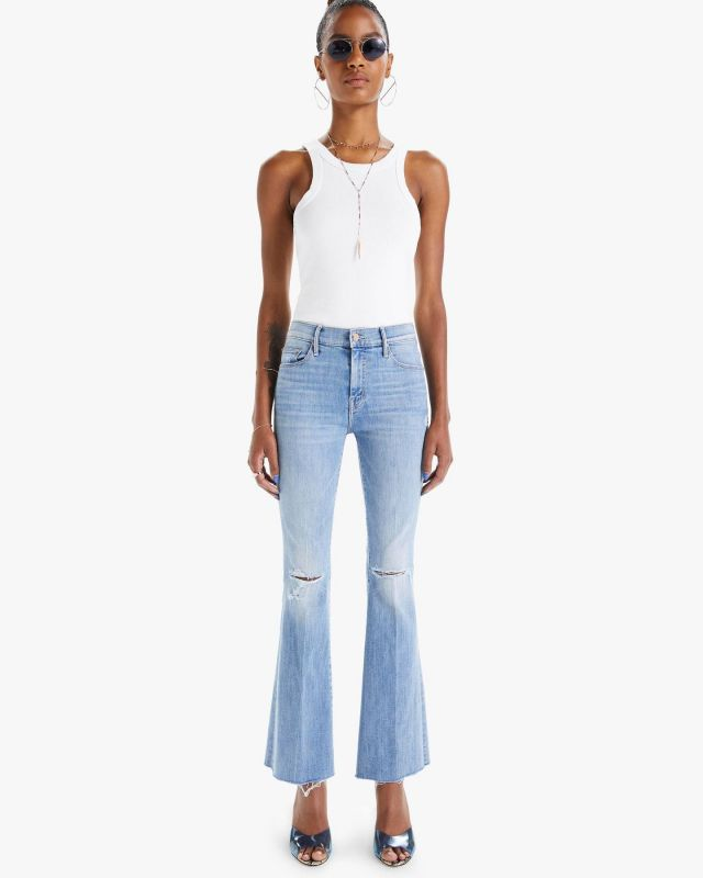 There's a new mother in town and we are loving her💙Shop Denim Today! In store or online.  . #denim #premiumdenim #stylist #fashion #fallfashion #shoplocal